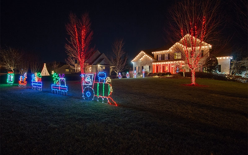 brentwood-tn-themed-christmas-outdoor-lighting
