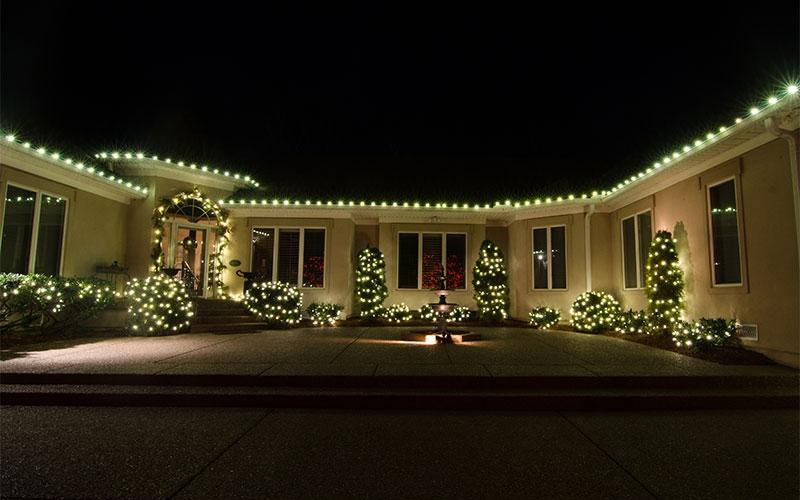 c9-nashville-roofline-holiday-outdoor-lighting