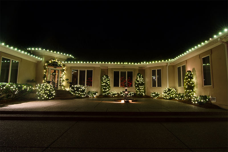 c9-nashville-roofline-holiday-outdoor-lighting