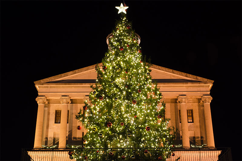 lighting-the-capital-tree-in-downtown-nashville-tn-2013
