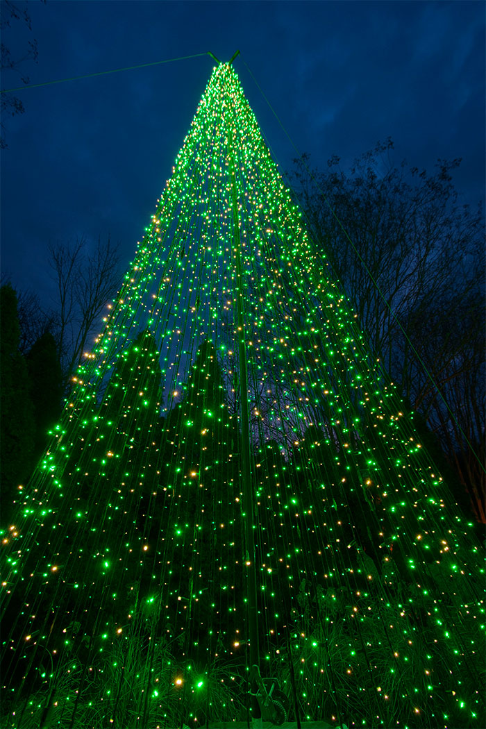 nashville-commercial-holiday-tree-form-lighting