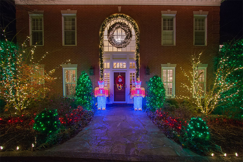 nashville-toy-soldier-themed-holiday-lighting