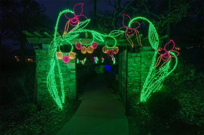 nashville-unique-custom-holiday-lighting-at-cheekwood